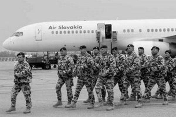 Vojaci, ktorí sa vrátili z Iraku, tvrdia, že je tam veľa práce.