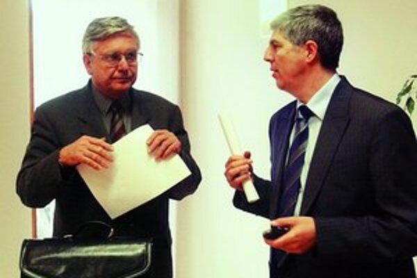 Duray a Bugár boli roky spolu vo vedení strany. Teraz sa dostávajú do otvoreného sporu.