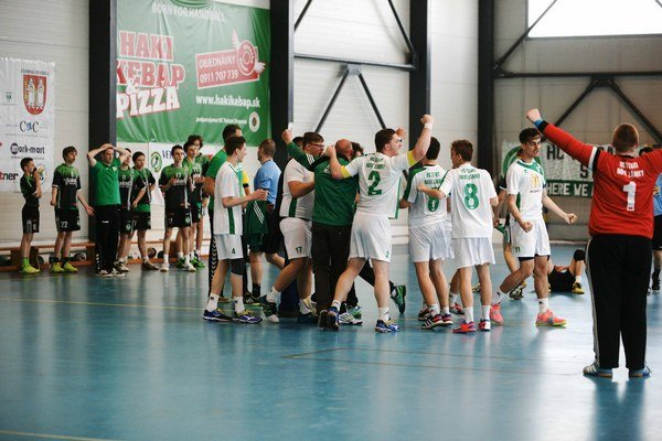 Po nečakanom góle prepukla radosť Novozámčanov.