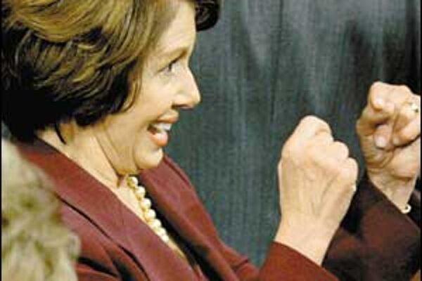 Nancy Pelosiová mala včera dôvod na radosť. Stala sa novou líderkou americkej Snemovne reprezentantov.