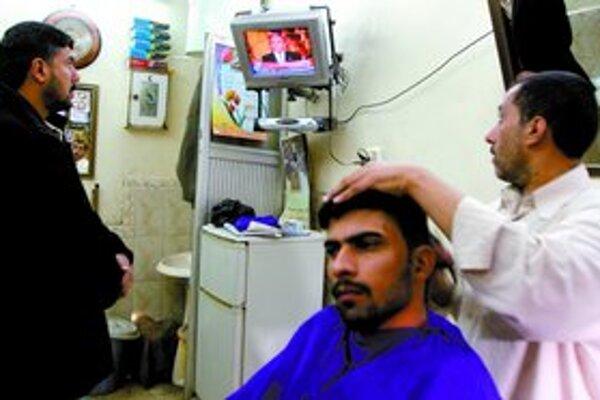 Bushov príhovor vysielali aj u irackého holiča v Basre.