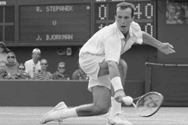 Radek Štěpánek na kurtoch vo Wimbledone.