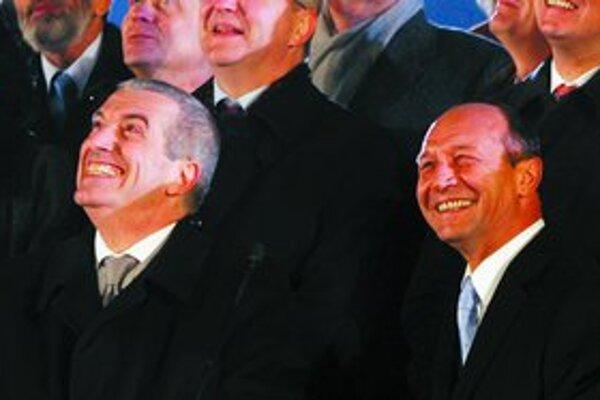 Premiér Tariceanu i prezident Basescu.