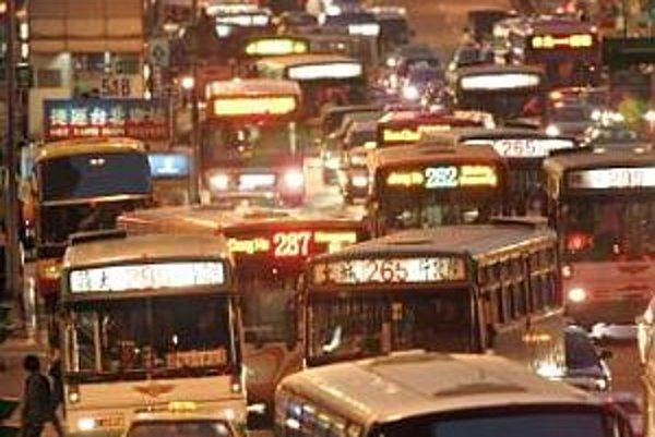 Dopravná zápcha v Tajpeji. Doprava je jedným z najväčších zdrojov znečistenia.