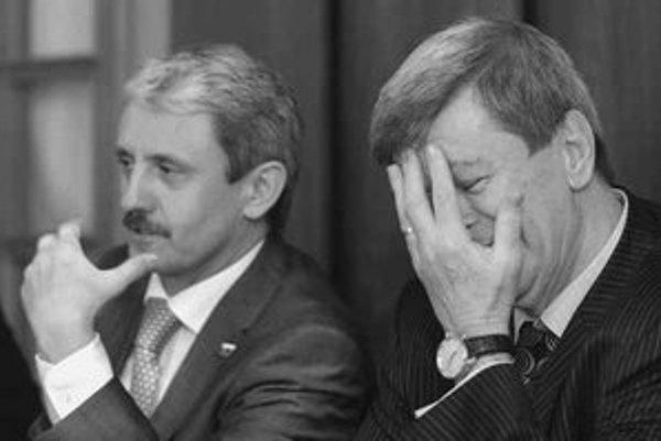 Mikuláš Dzurinda bol v utorok v Belehrade za premiérom Koštunicom. Teraz je proti Kosovu.