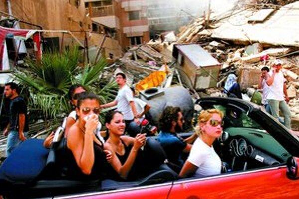 V súťaži World Press Photo zvíťazila snímka, ktorú Spencer Platt spravil v prvý deň prímeria po konflikte medzi Hizballáhom a Izraelom.