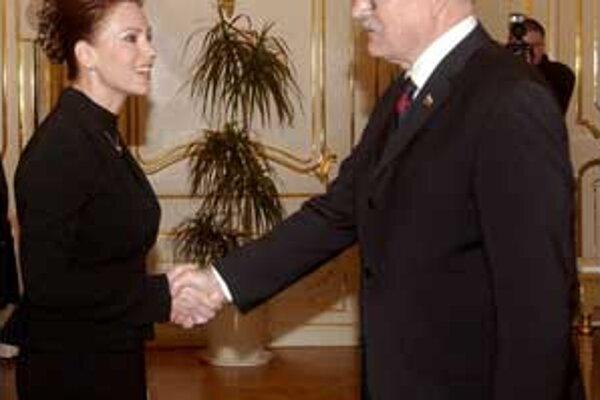 Prezident vymenoval za predsedníčku Ústavného súdu Ivettu Macejkovú.