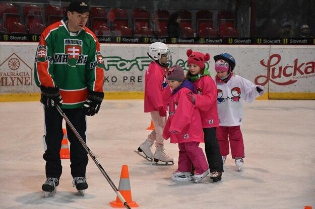 Projekt Deti na hokej - nábor v Skalici aj so Žigmundom Pálffym.