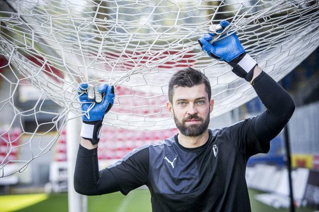Matúš Kozáčik patrí k oporám slovenskej reprezentácie.