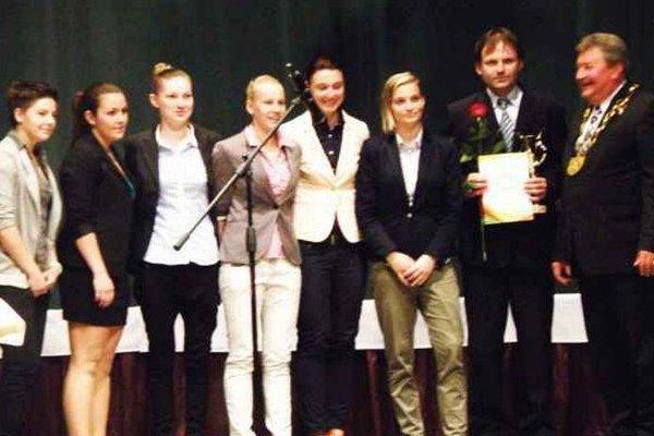Medzi ocenenými boli aj futbalistky FC UNION Nové Zámky - majsterky Slovenska a účastníčky Ligy majstrov.