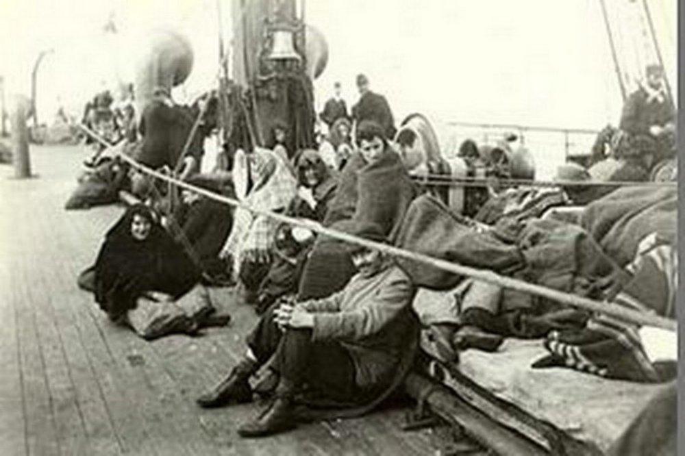 Na začiatku minulého storočia sa cestovalo do Ameriky na lodiach.