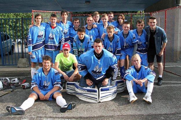 Dynamax Nitra získal striebro v kategórii U17.