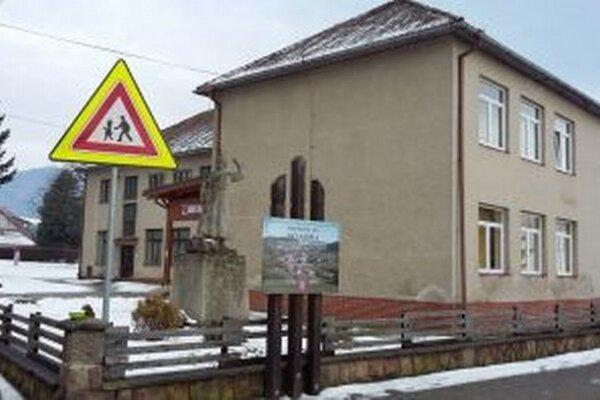 Budova ZŠ s MŠ dostane zateplenie, aj novú fasádu.