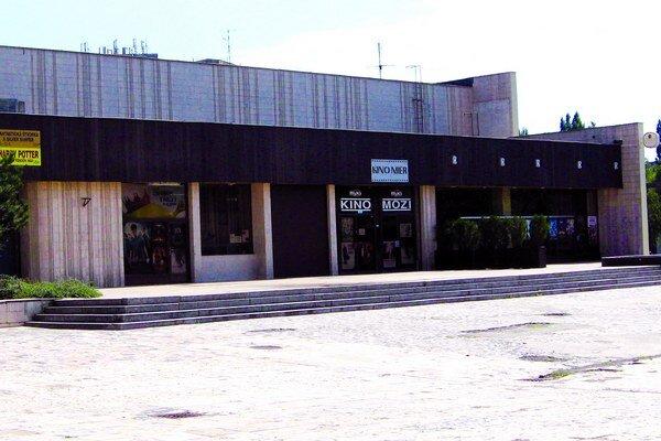 Kino Mier.