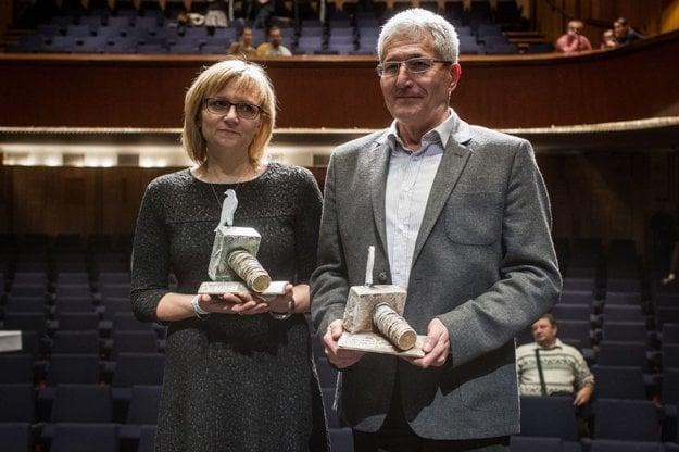 Držitelia ocenenia Biela Vrana Alan Suchánek a Magdaléna Kovačovičová
