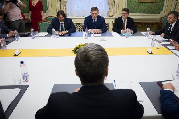 Vedenie Smeru počas Koaličnej rady.