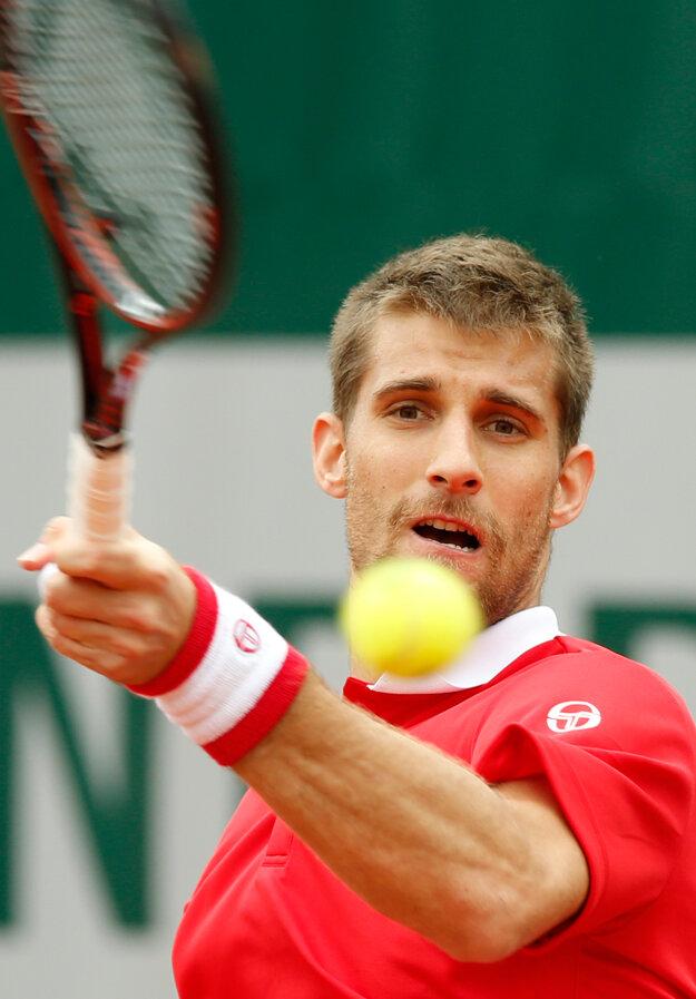 Návrat na kurty na Roland Garros Kližanovi nevyšiel.