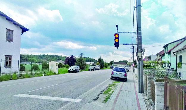 Semafor v Ratnovciach vraj pomohol.