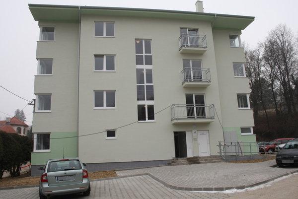 Parkovisko vybudujú na Jánošíkovej ulici v Bojniciach.