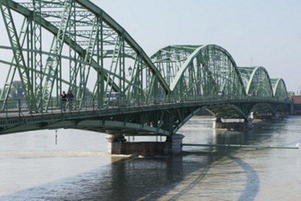 Most sv. Alžbety v Komárne,