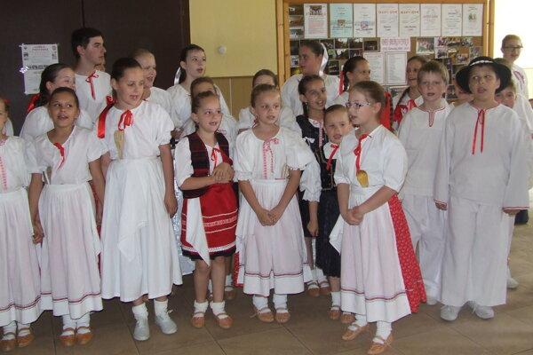 Detský folklórny súbor Bukovinka.