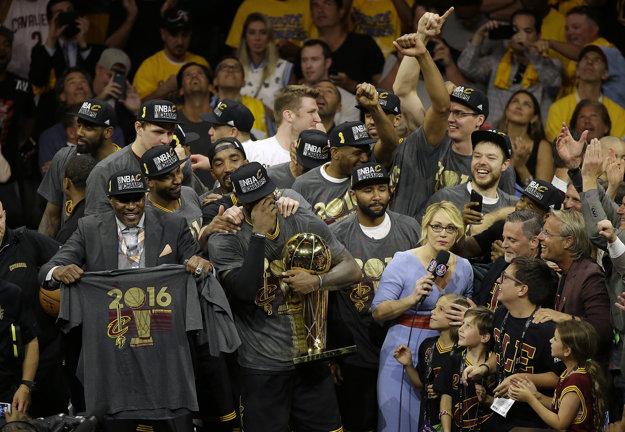 Cleveland získal premiérový titul v NBA.