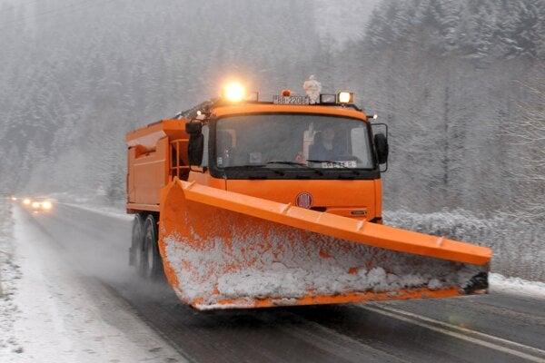 Cestári mali počas poslednej zimy menej práce ako v predchádzajúcich rokoch.