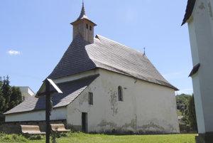 Kostol Panny Márie Škapuliarskej v Banskej Belej.