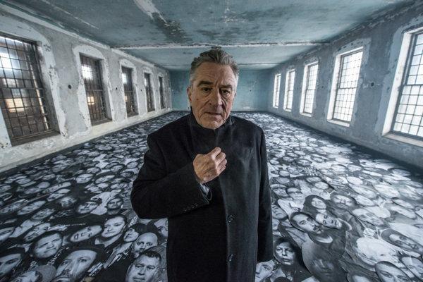 Robert De Niro sa bude vkrátkom filme prechádzať po budove nemocnice na Ellis Island.