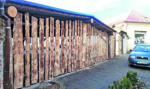 Takto vyzeral plot po prvej úprave, stavebník o zmenách neinformoval ani pamiatkarov ani stavebný úrad.