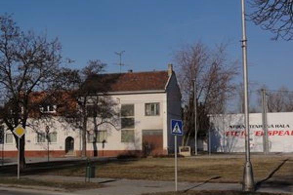 Bývalé sídlo dopravného inšpektorátu.