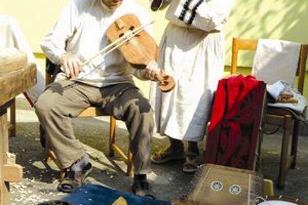 Dobová hudba v podaní dvojice Musicantica.