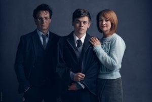 Jamie Parker ako Harry Potter, Sam Clemmett alias Albus Severus Potter a Poppy Miller v úlohe Ginny Weasleyovej.