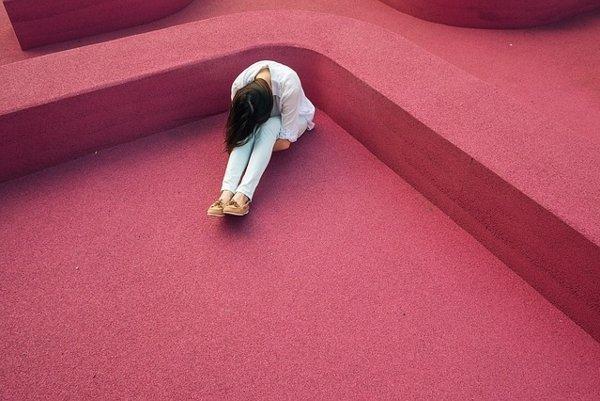 Ak negatívne emócie prijmete, budete mať menej stresu.
