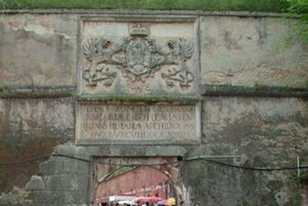 Ferdinandova brána v komárňanskej Starej pevnosti.