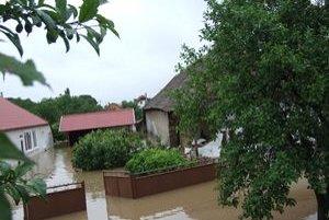 Takto to predminulý týždeň vyzeralo v obci Hul.