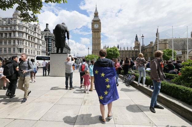 Niektorí Briti už ľutujú hlasovanie za odchod.