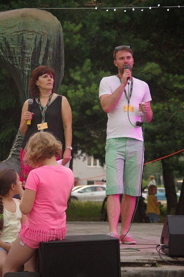 Zohratá moderátorská dvojka - Anka a Tomáš
