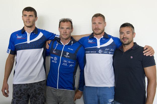 Na snímke - zľava Tibor Linka, Juraj Tarr, Erik Vlček a tréner Peter Likér.