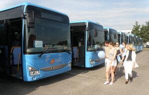 Trenčiansky kraj kúpil pre tri okresy tridsať autobusov.