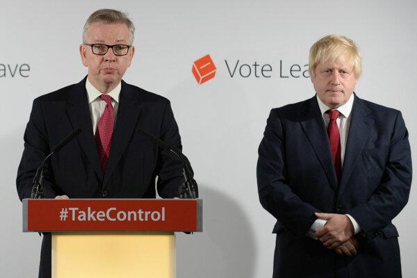 Michael Gove a Boris Johnson krátko po vyhlásení výsledkov referenda. Tušil už vtedy Gove, že bude kandidovať na premiéra?