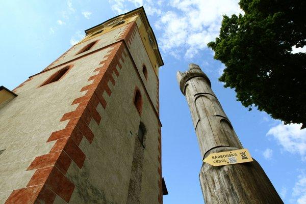 Trasa Barborskej cesty sa začína a končí v Banskej Bystrici.