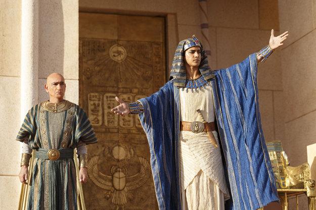 Režisér David Von Ancken z neho spravil romantického hrdinu a silného panovníka.