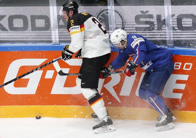 Aj Damien Fleury (vpravo) hral na svetovom šampionáte v Rusku.