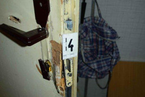 Zlodej sa dostal do bytu.