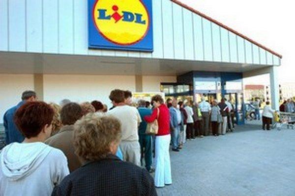 Najväčším zadávateľom v kategórii obchodných reťazcov bol Lidl, ktorý vlani vynaložil na offline reklamu 27,24 miliónov eur.