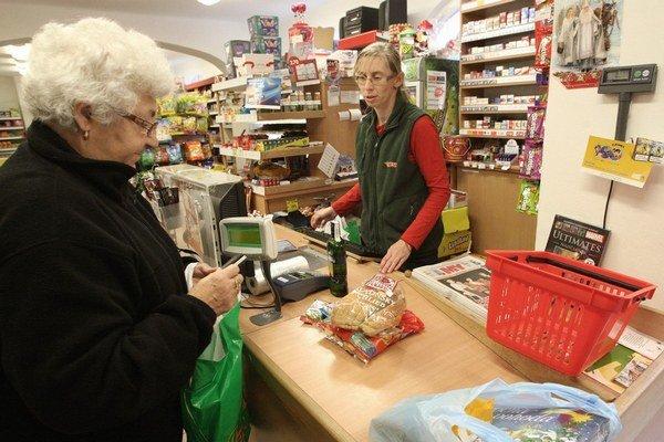 Minimálny dôchodok pomôže najchudobnejším. Od júla nebudú nútení poberať pomoc v hmotnej núdzi.