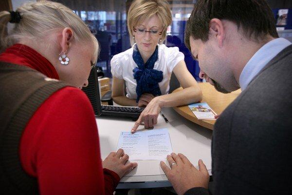 Klienti si už nevybavia mladomanželskú pôžičku.
