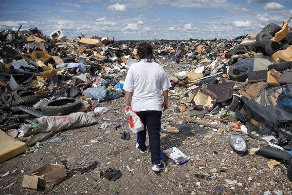 Na Slovensku môže byť podľa ministerstva životného prostredia až šesťtisíc nelegálnych skládok.