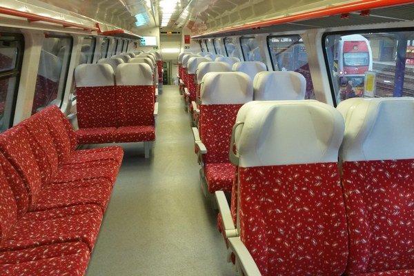 Nové vlaky poskytnú výrazne viac pohodlia, ako známe koženkové vozne zo 60. a 70. rokov, ktoré sa na regionálnych tratiach používali doteraz.